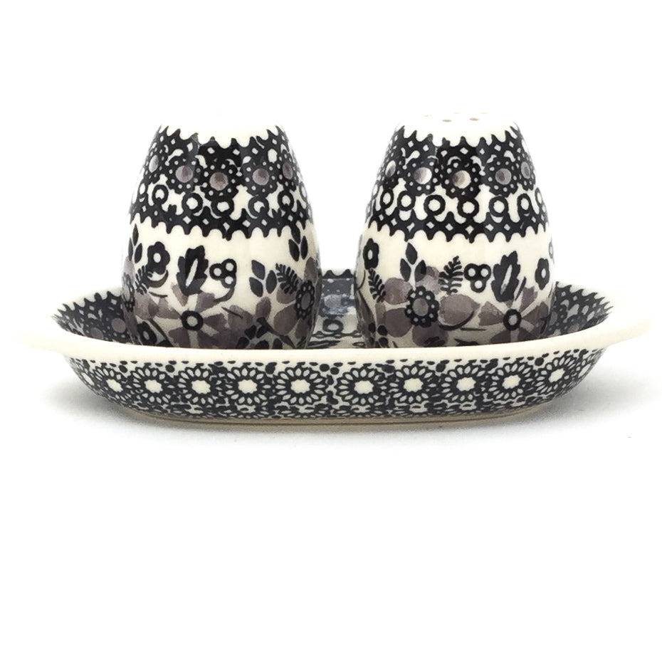 Salt & Pepper Set w/Tray in Gray & Black