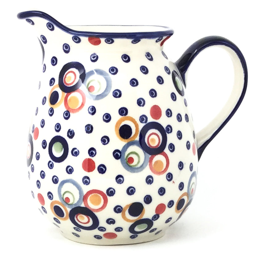 Pitcher 1 qt in Modern Circles