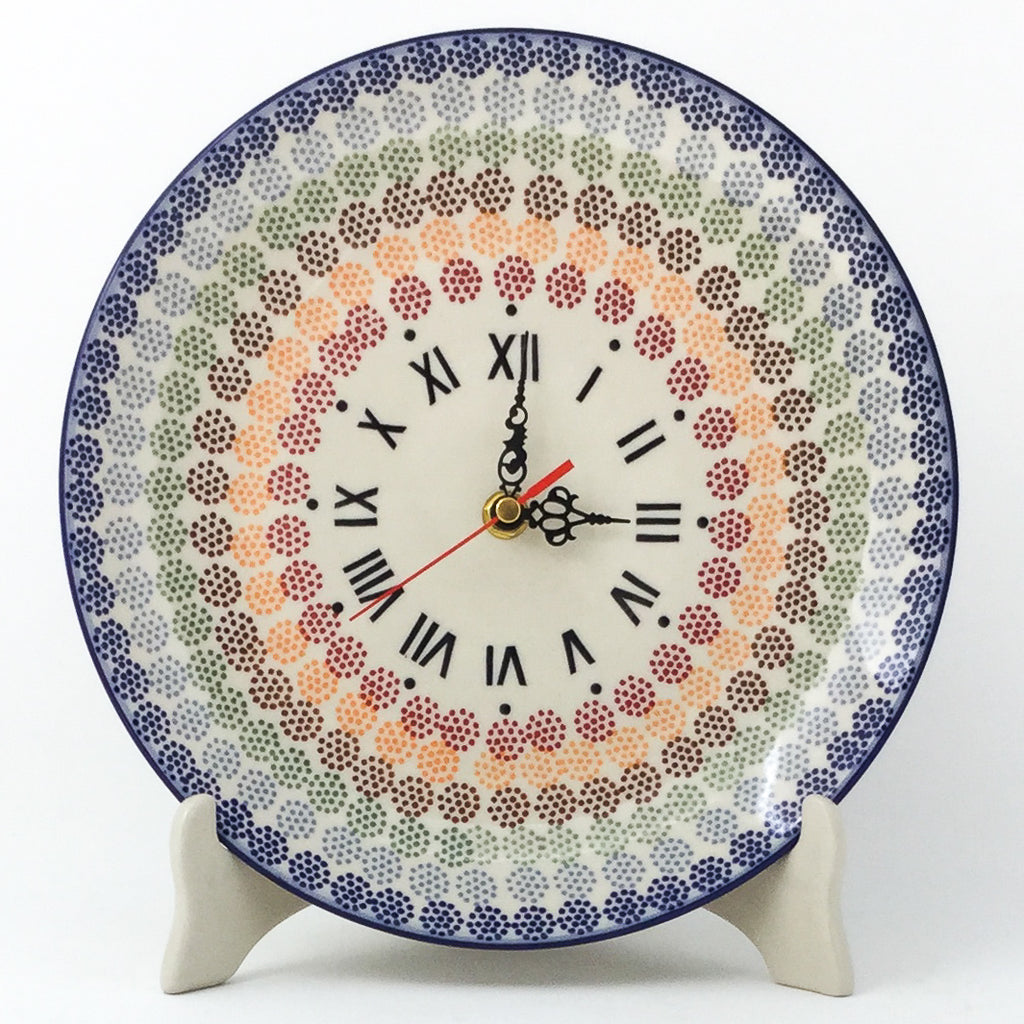 Plate Wall Clock in Modern Dots