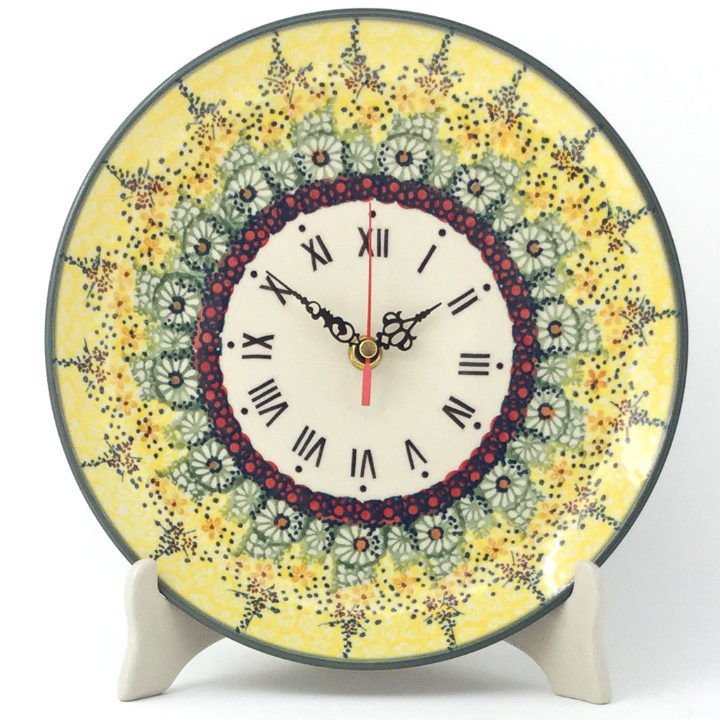 Plate Wall Clock in Cottage Decor