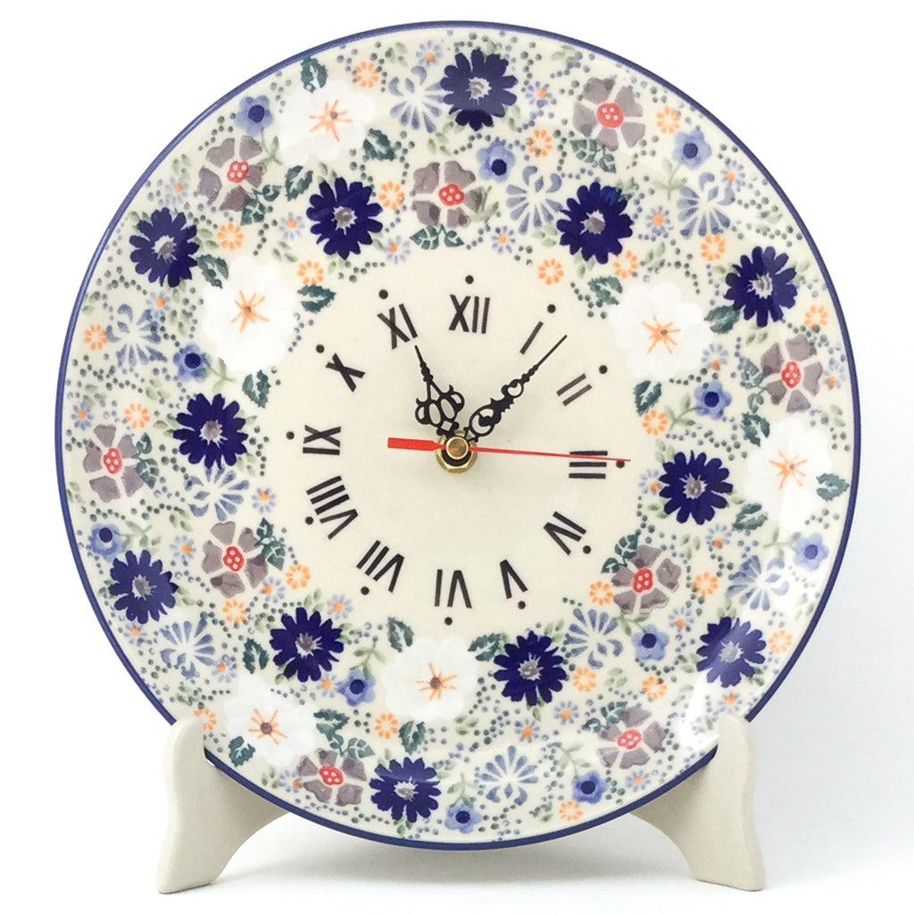 Plate Wall Clock in Morning Breeze