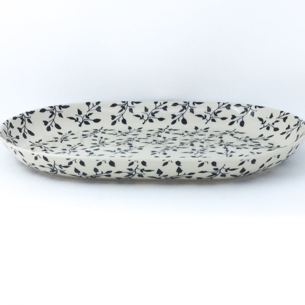 Lg Oval Platter in Simply Black
