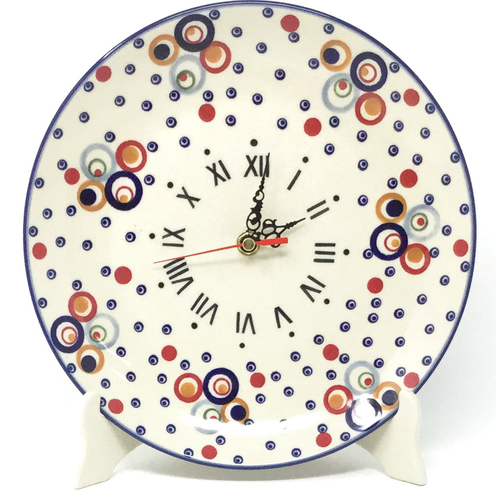 Plate Wall Clock in Modern Circles