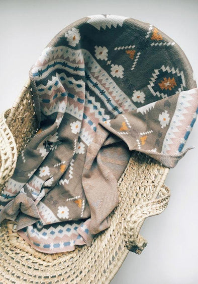 Coco and Kiwi - Knit Aztec Blanket -