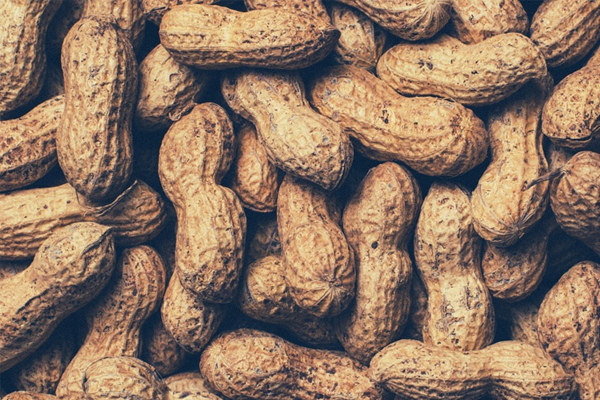 5 Reasons Peanuts are the Perfect Fit Snack