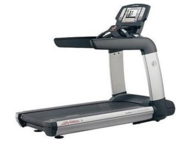 Life Fitness 95T Engage Treadmill - Fitness Trendz USA