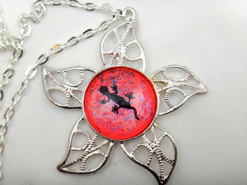 Jewelry/Necklace - Hand Painted Lizard Necklace