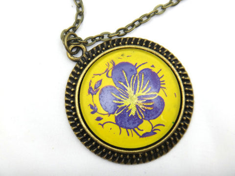 Jewelry/Necklace - Hand Painted Purple Flower Necklace