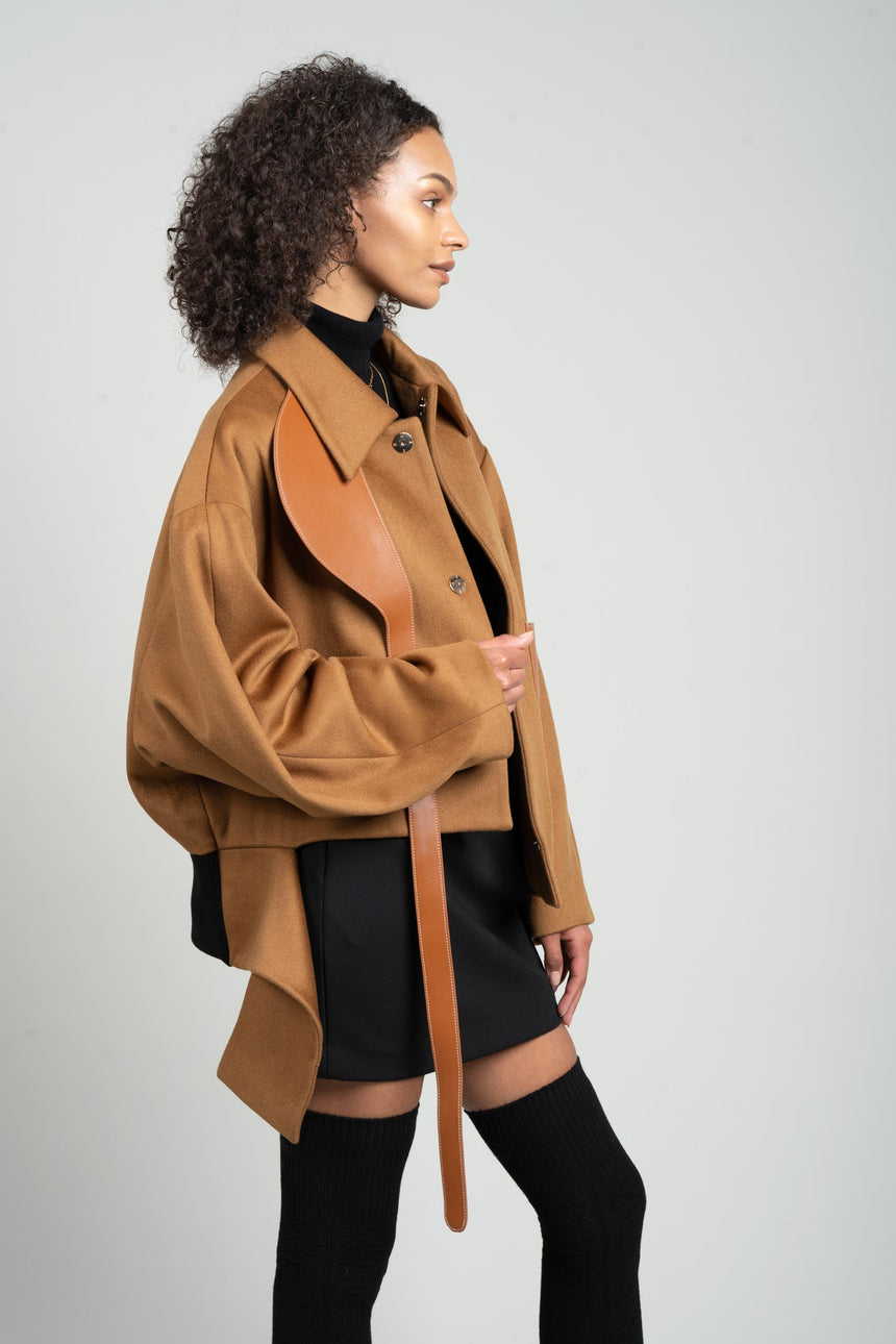 JL070B GV-cut Vegan Leather Detailed Jacket