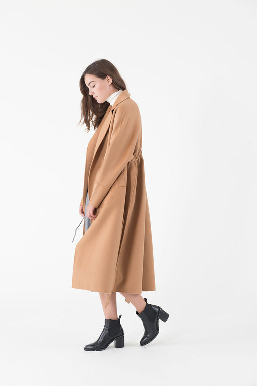 MT033 Camel coat