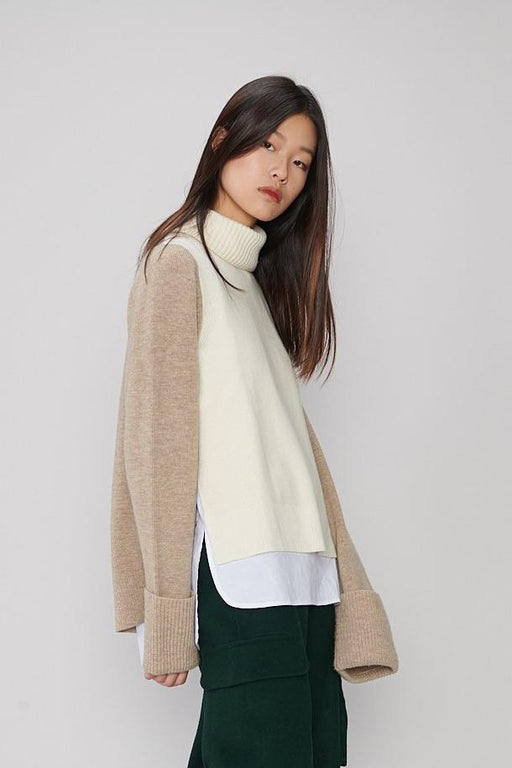 CS003 Cream & Oat Multi Layered Sweater
