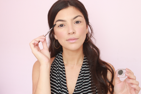 lilly-wallace-brow-pomade-summer-look