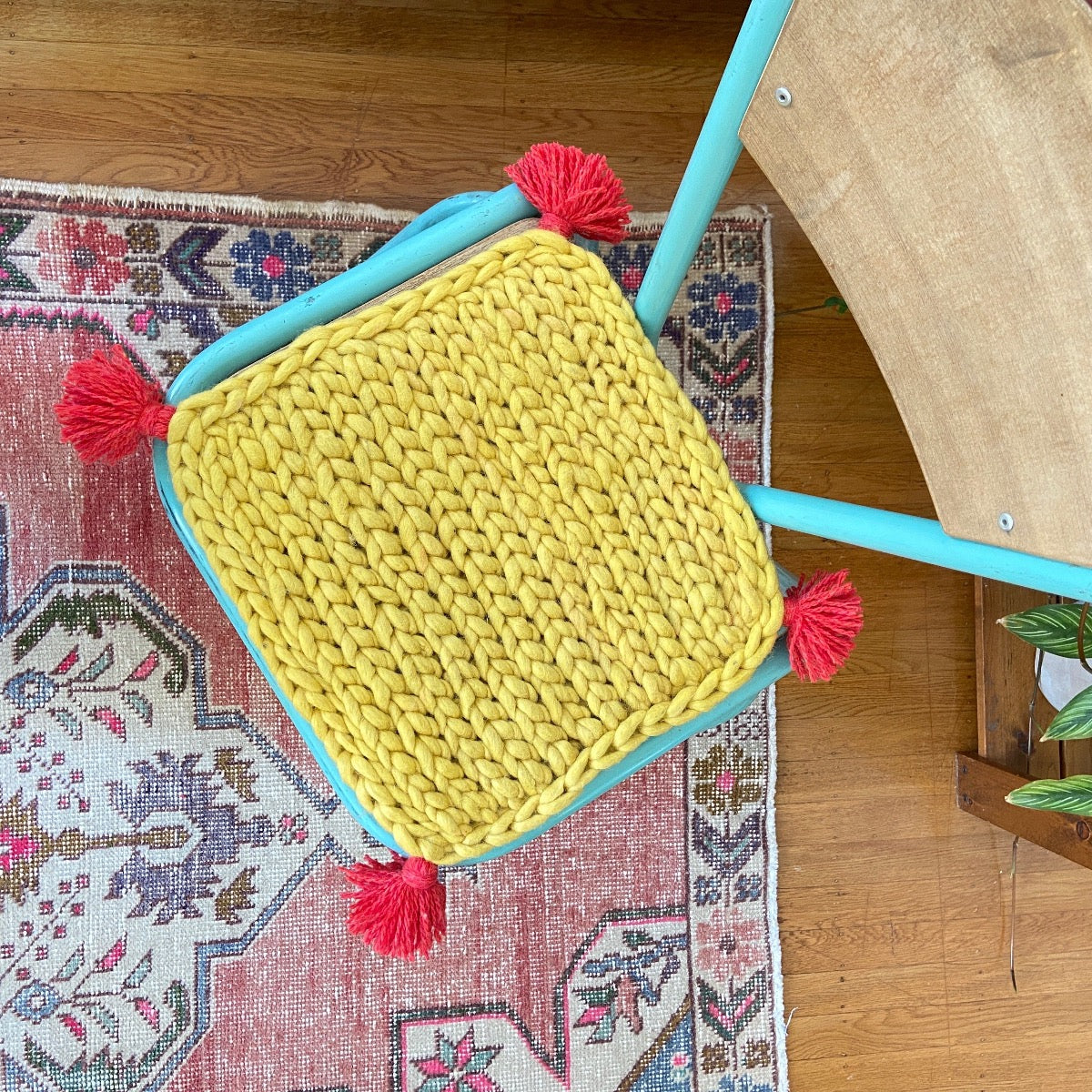 Free crochet wool meditation seat cushion with Love Fest Fibers Tough Love Tiny chunky felted yarn and Loome tassels