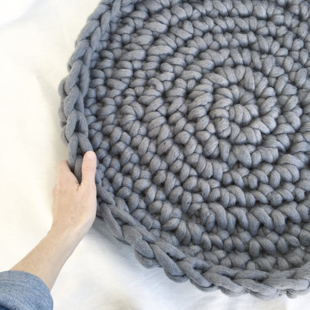 Lulu Pet Bed - Free Chunky Crochet Pattern – Love Fest Fibers