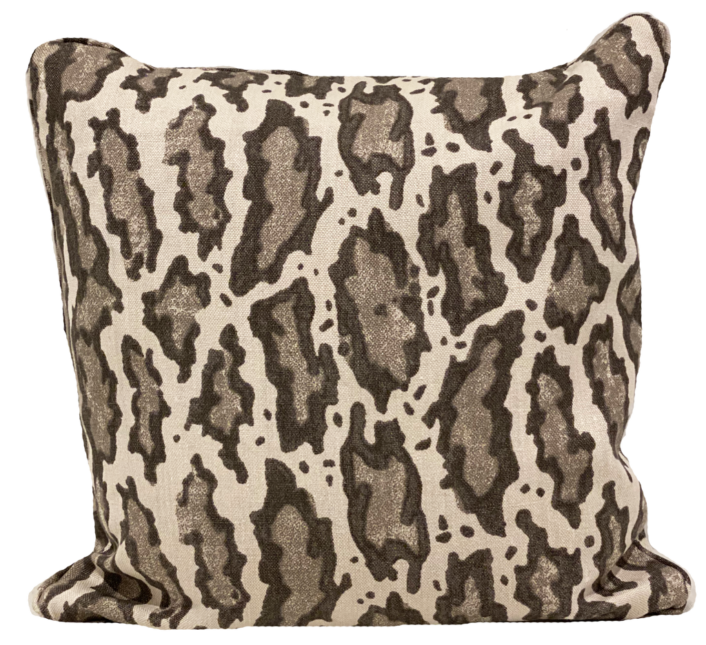 Gattopardo Siberiano Pillow