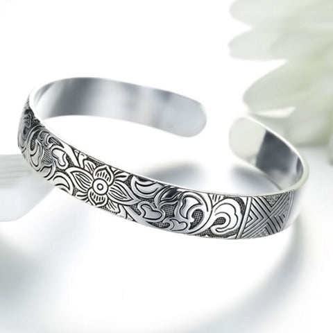 Retro Lotus Bangle