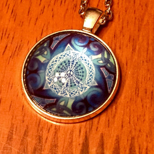 Celtic Peace Symbol Glass Cabochon Necklace - Synonyco.com