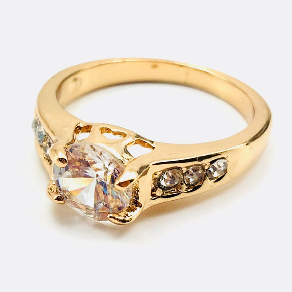 Clear Gemstone Fashion Ring Size 8 - Synonyco.com