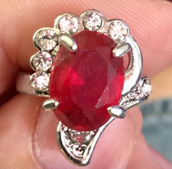 Thorn Red Gem Fashion Ring Size 7 - Synonyco.com