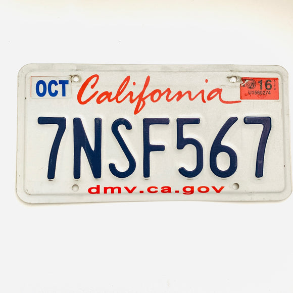 California Lipstick License Plate 7NSF567