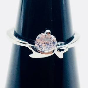 Clear Gemstone Fashion Ring Size 7 - Synonyco.com