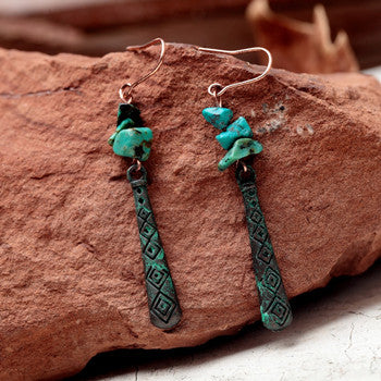 2019 Nostalgia Women Vintage Small Green Stone Drop Earrings - Nostalgiastyles Clothing Store Co.