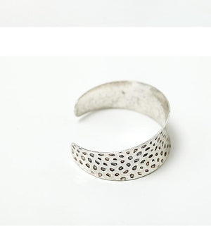 Nostalgia  Antique Silver Open Cuff Bangle - Nostalgiastyles Clothing Store Co.