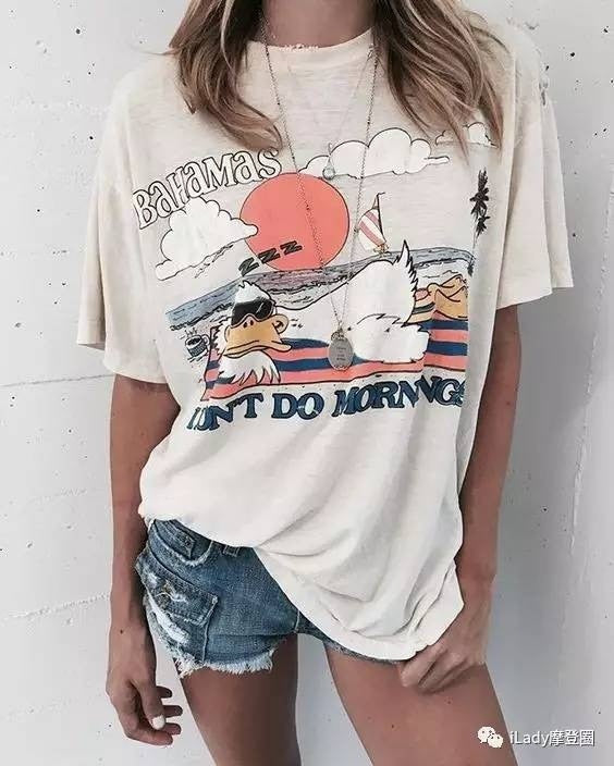 Nostalgia boho Bahamas Beach Duck T-Shirt Cute Fashion Relaxing Vintage Tee - Nostalgiastyles Clothing Store Co.