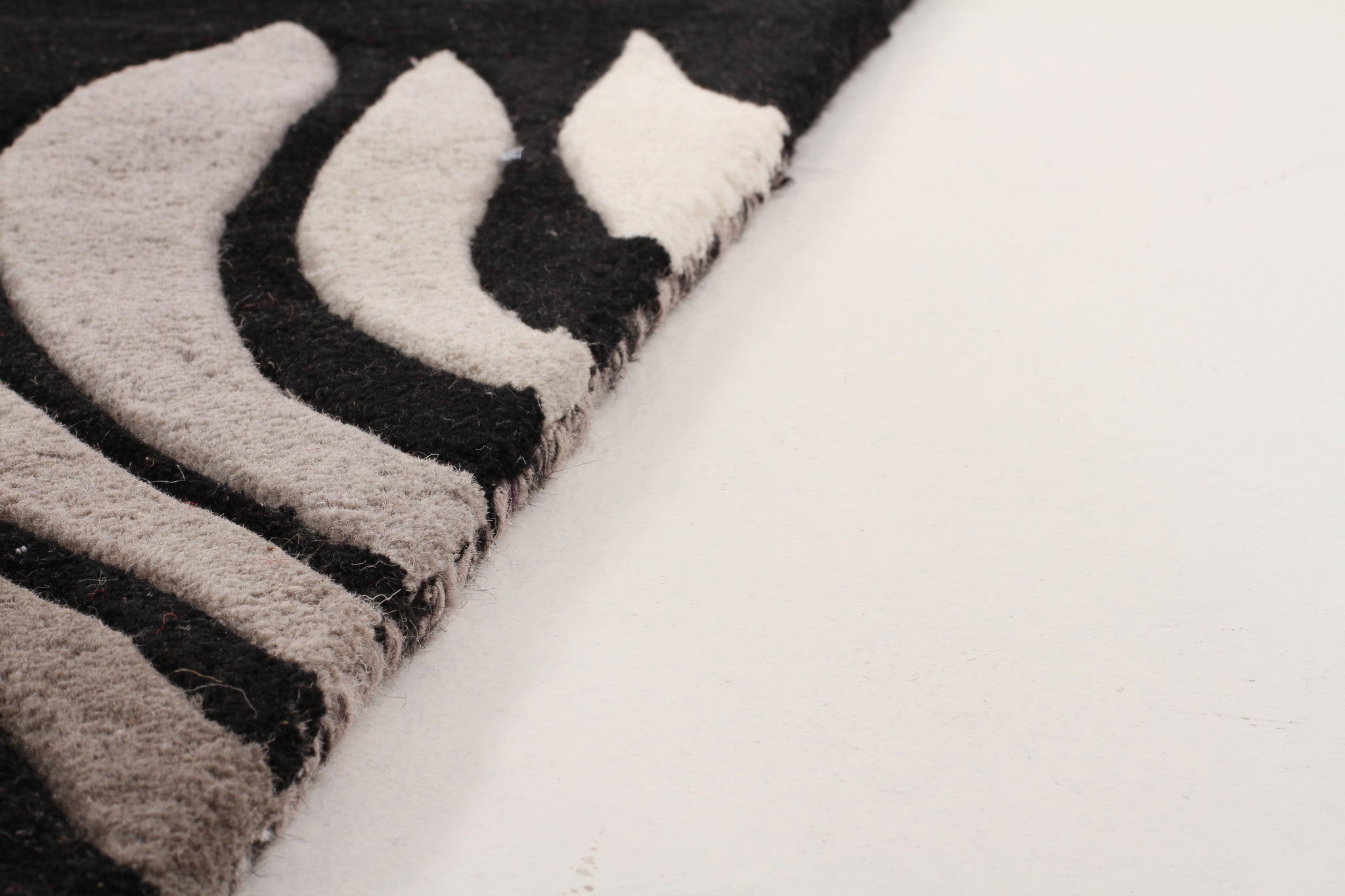 Designer Wool Rug Azura Black Grey