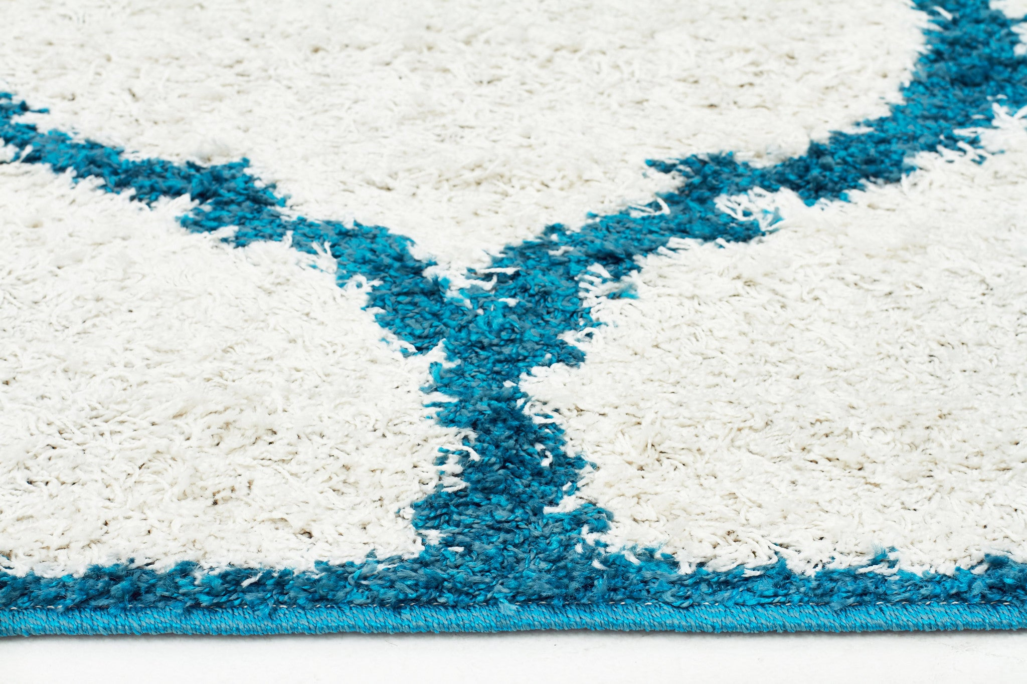 Shadow Shag Rug White and Blue