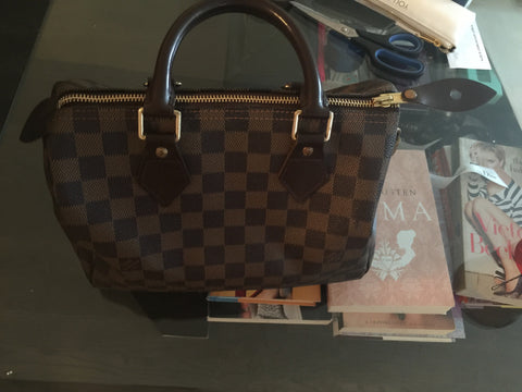 Louis Vuitton. Speedy 25 Bag