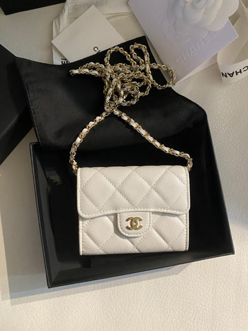 Chanel.card holder on chain bag
