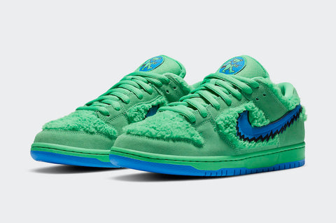 "Nike Skateboard dunk low pro QS ""grateful dead bears electric green"" sneaker"