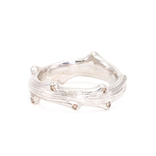 Load image into Gallery viewer, Mens Band - Textured Twig with Diamonds