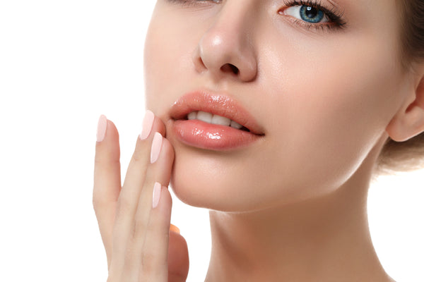 How to Prevent Dry Lips This Winter