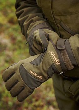 Composite material hunting gloves