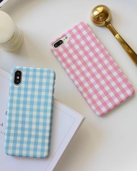 Gingham Iphone Case - MAGIC PERIOD