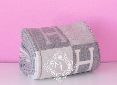 Hermes Large Gris Clair Wool Cashmere H Avalon III Blanket - New - MAISON de LUXE - 1