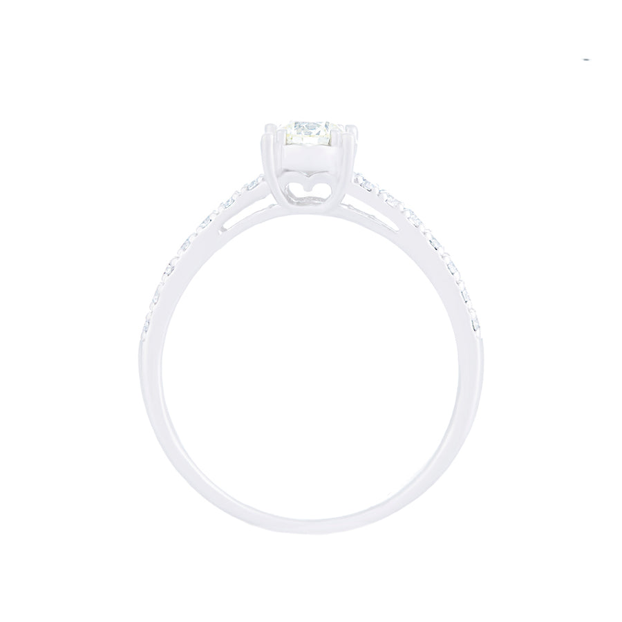 WHITE GOLD DIAMOND RING WITH SIDE DIAMONDS
