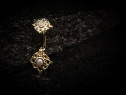 BVLA Yellow Gold Angela Navel Curve