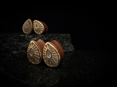 Buddha Jewelry Mother of Pearl Beam Teardrop Plugs