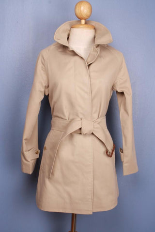 Beige Womens BURBERRY SHORT Trench Coat Front
