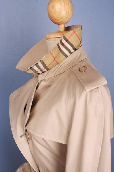 Womens Bespoke BURBERRY Short TRENCH Coat  Beige Collar Side