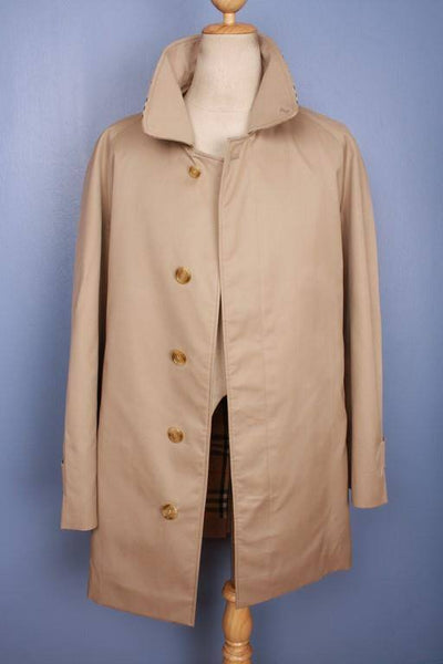 Burberry short trench coat front open