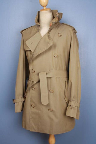 Short trench coat front