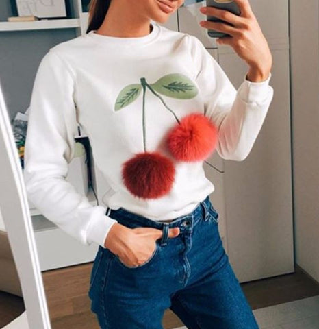 "Sweatshirt ""cherries"" with pompons"