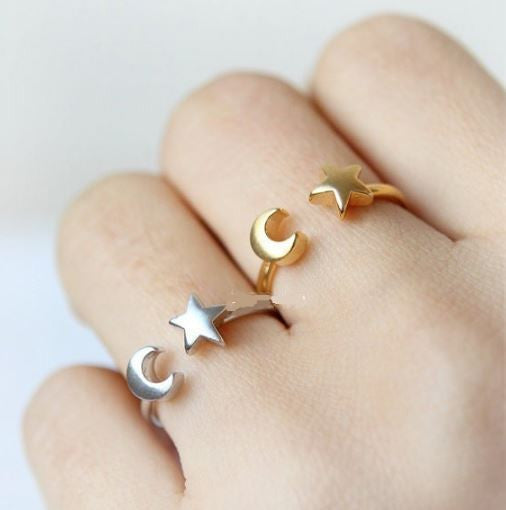 "Resizable Ring ""Crescent Moon and Tiny Star"""