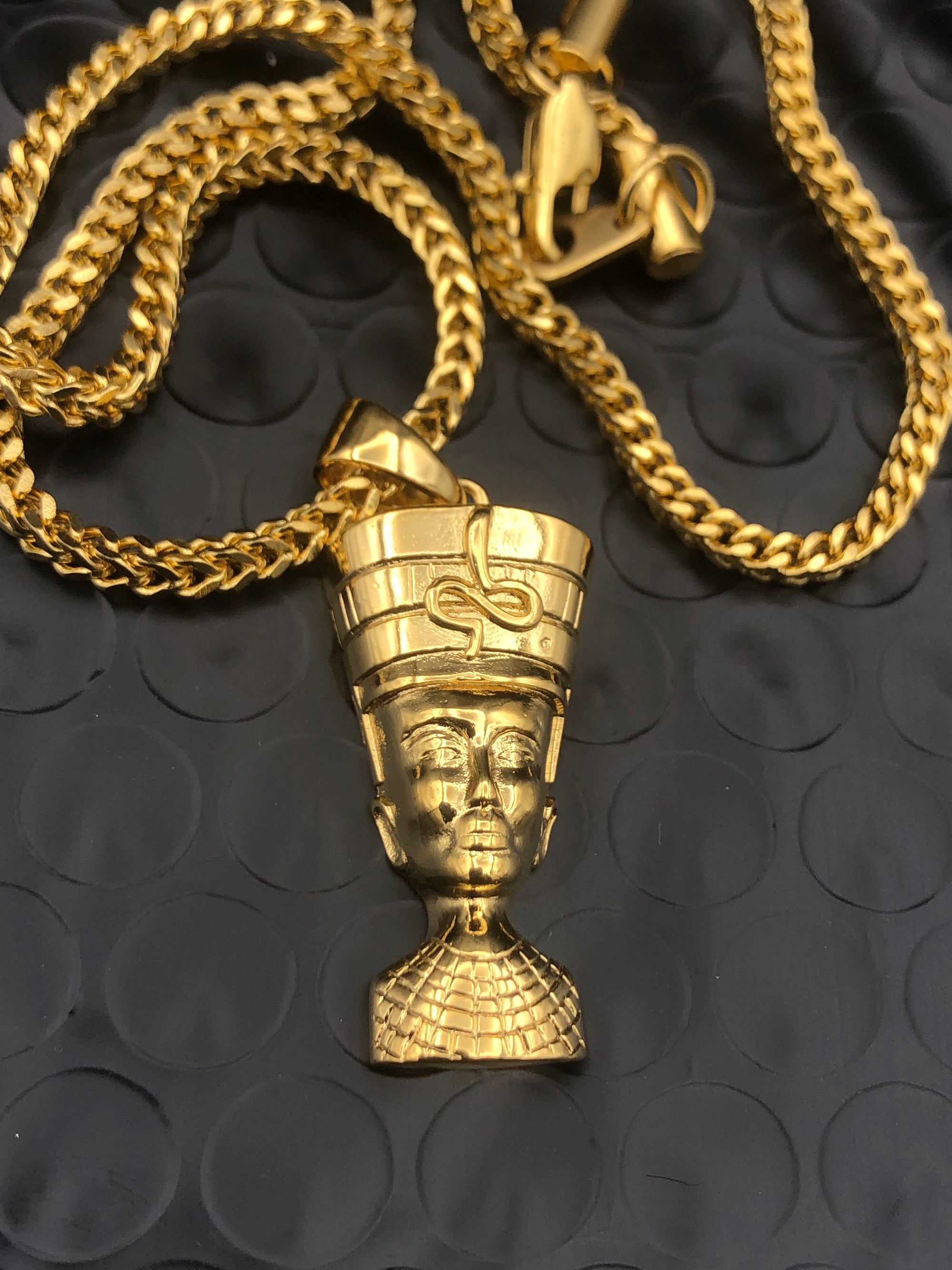 Micro Nefertiti Gold Necklace