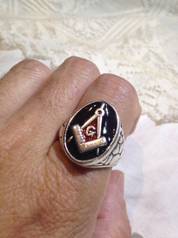 Vintage 1980's Gothic Red and Black Enamel Free Mason G Men's Ring