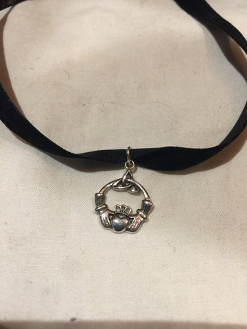 Vintage Handmade 925 Sterling Silver Claddaugh Deco choker necklace